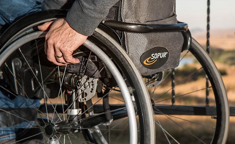Piattaforme elevatrici per disabili: come sono disciplinate dalla legge