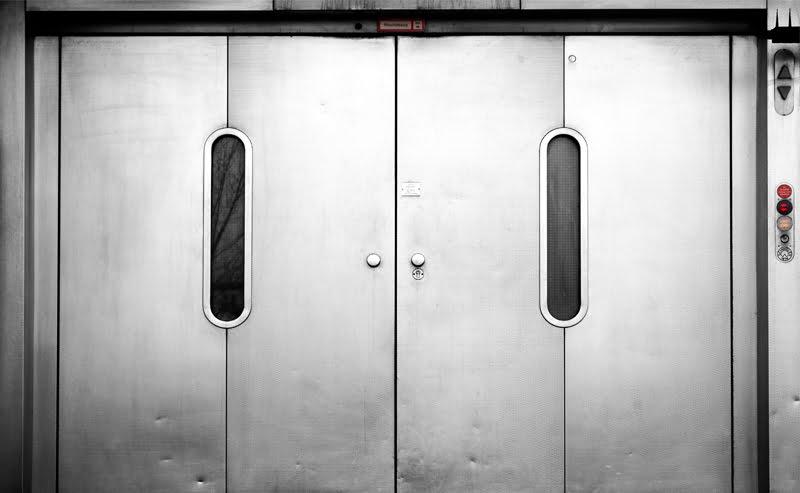 Montacarichi per casa gruppo millepiani ascensori for Piani di casa del condominio