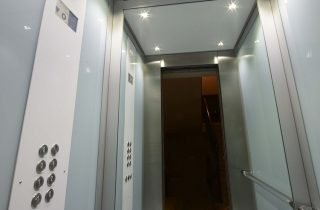 Cabine per ascensori: Pixlight e Natural Elements