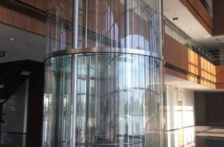 fronte-ascensore-in-vetro