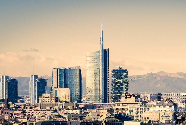 Che ascensori ha lo storico quartiere di Milano con modernissimi grattacieli?