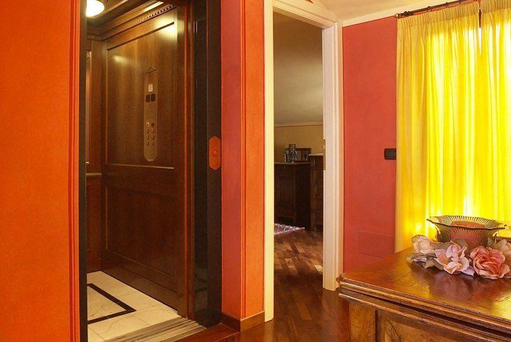 Eplanet è un ascensore interno adatto sia per appartamenti sia per uffici