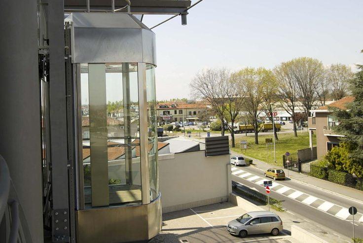Ascensore esterno: quanto costa e come installarlo